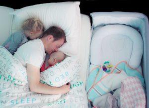 samen slapen baby