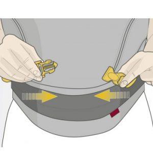 Manduca size-it stap 2: gespje dichtklikken