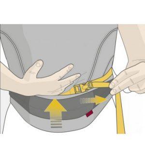 Manduca size-it stap 3: aanspannen tot de juiste maat