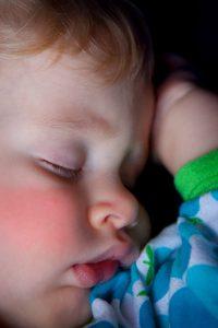 koorst baby draagdoek ziek